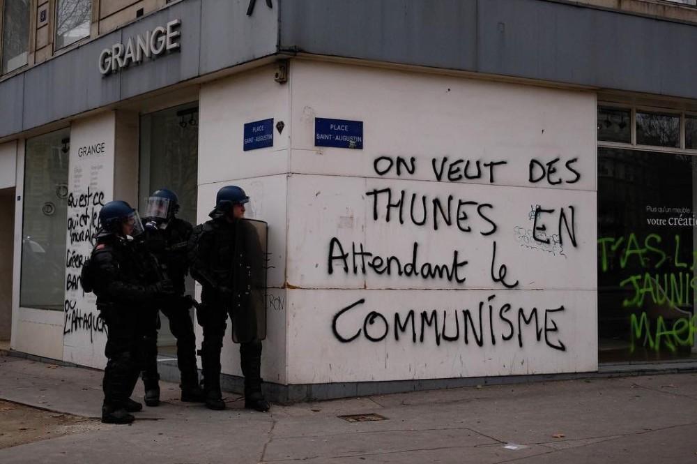 ge oss pengar i väntan på kommunism (3)